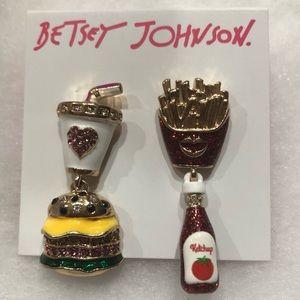 "NWT•Betsey Johnson ""Fries guys"" dangle earrings"